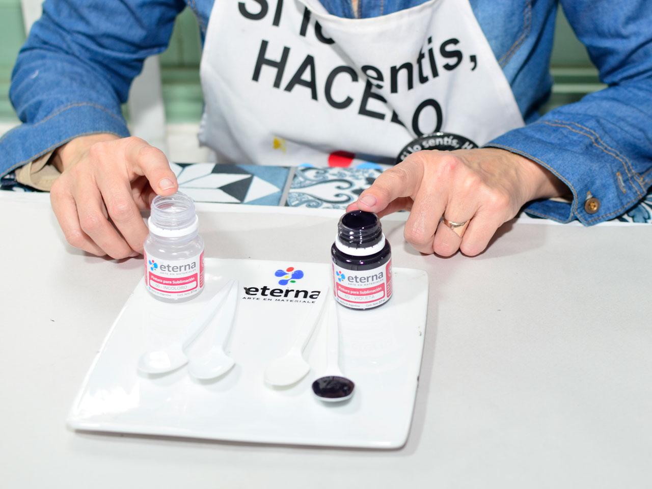 1- El 00. Incoloro es un gran compañero: úsalo para acuarelar los colores, la pintura no pierde sus propiedades y, además, no arruga, ni rompe el papel como cuando diluís con agua.